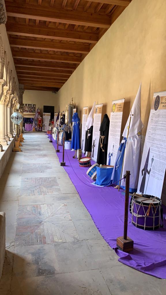 Fotografía de la exposición de Semana Santa organizada por las cofradías de Tudela